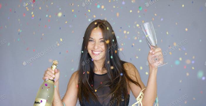 Lebendige Frau Party im neuen Jahr