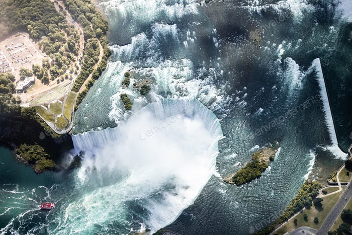 Aerial view of Niagara waterfall in the Summer