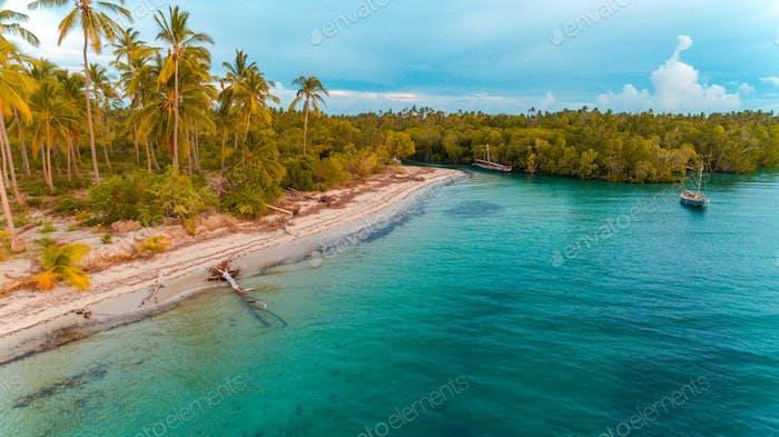 пляж Канга на острове Мафия