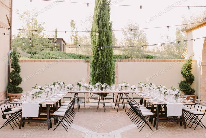wedding reception party banquet table coverage
