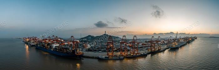 Shanghai Hafen