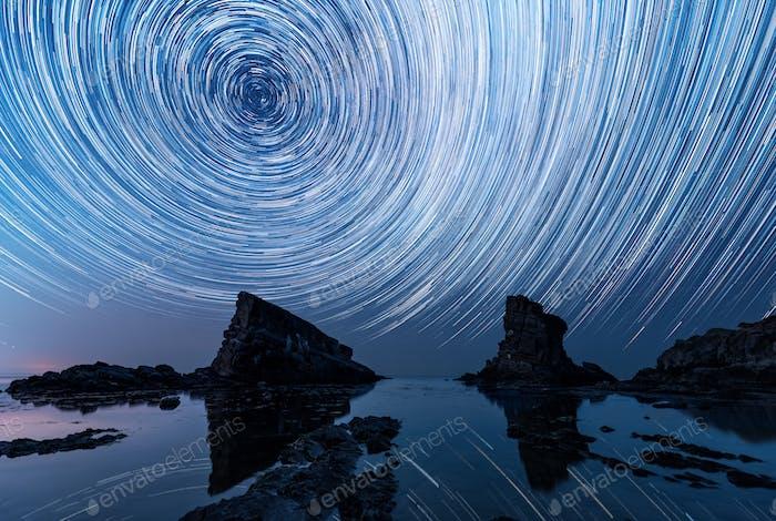 Sternenpfade über das Felsphänomen The Ships (Bulgarien)