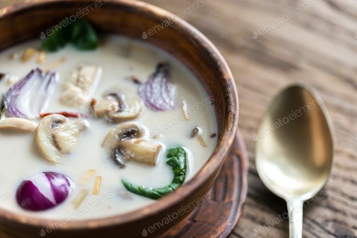 Thailändische Kokosnuss-Sahnesuppe