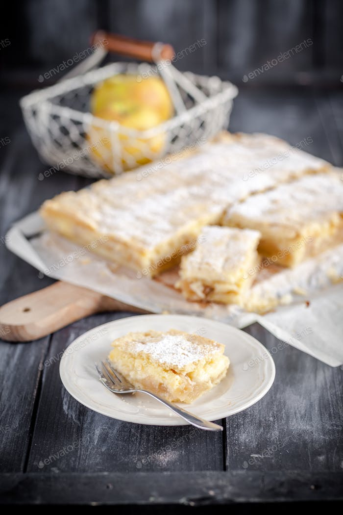 Delicious homemade apple pie - better than from bakery