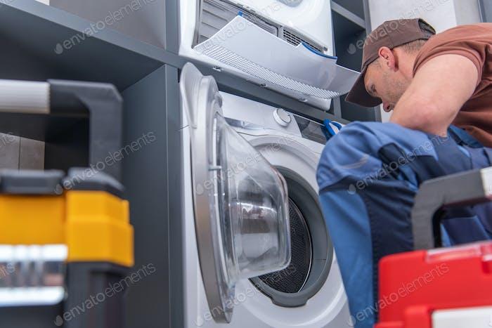 Defekte Waschmaschine und Problembehebung durch Techniker