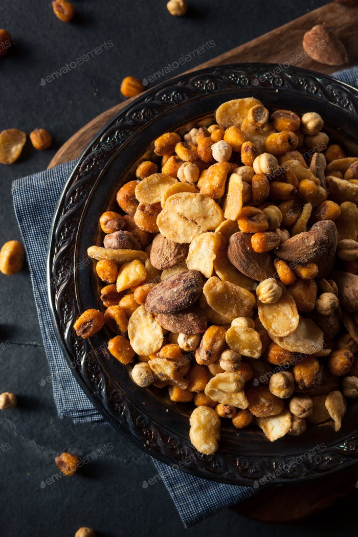 Salty Spanish Cocktail Nuts