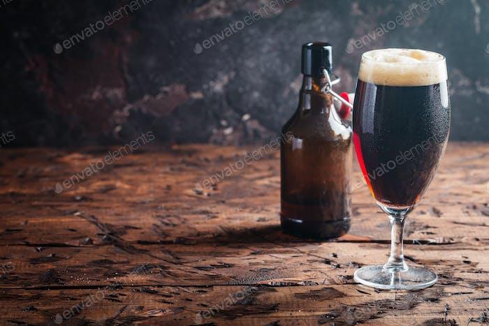Vaso de cerveza Oscuro