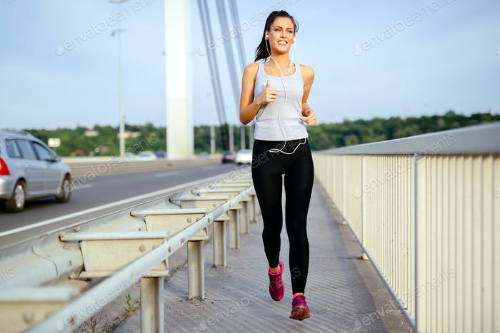 Woman jogging to stay fit