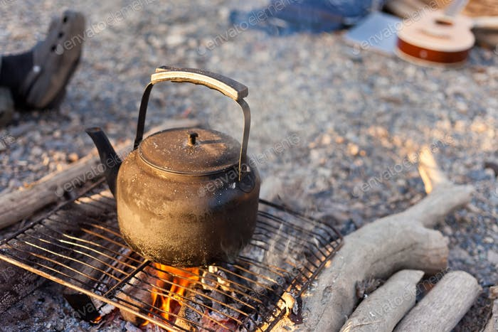 Romanitic campfire coffee kettle
