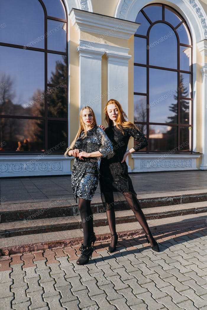 Luxus und Elite-Lebensstile, Fashionweek, Stil, Glamour, Modenschau, Start- und Landebahn, Laufsteg. Of