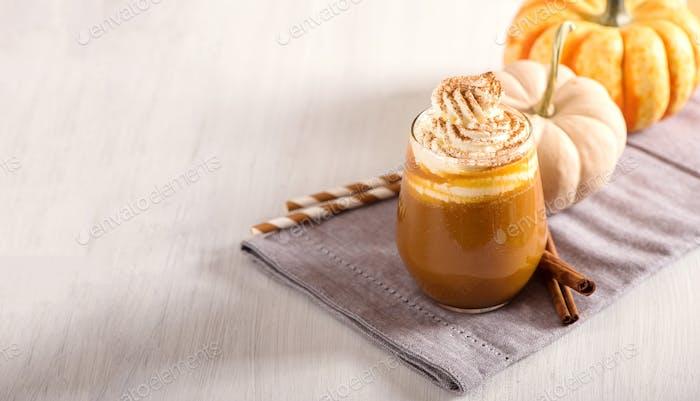 Kürbis Latte, Herbst-Heißgetränk