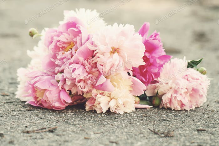 Bouquet on the ground