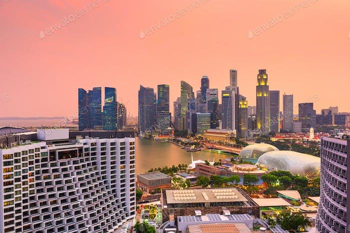Skyline des Finanzviertels Singapur