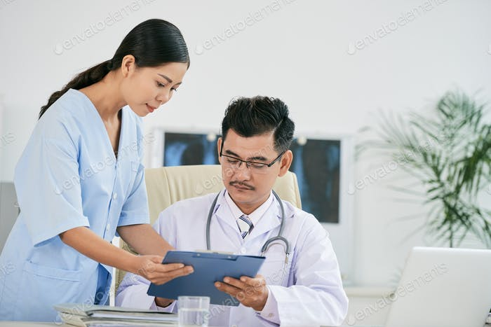 Showing medical history