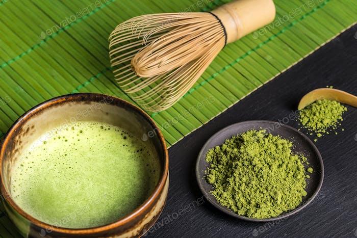 Stilleben mit japanischer Matcha Tee