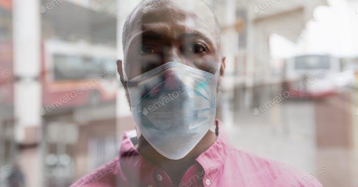 Digitale Illustration eines Mannes mit Coronavirus-Covid19-Maske