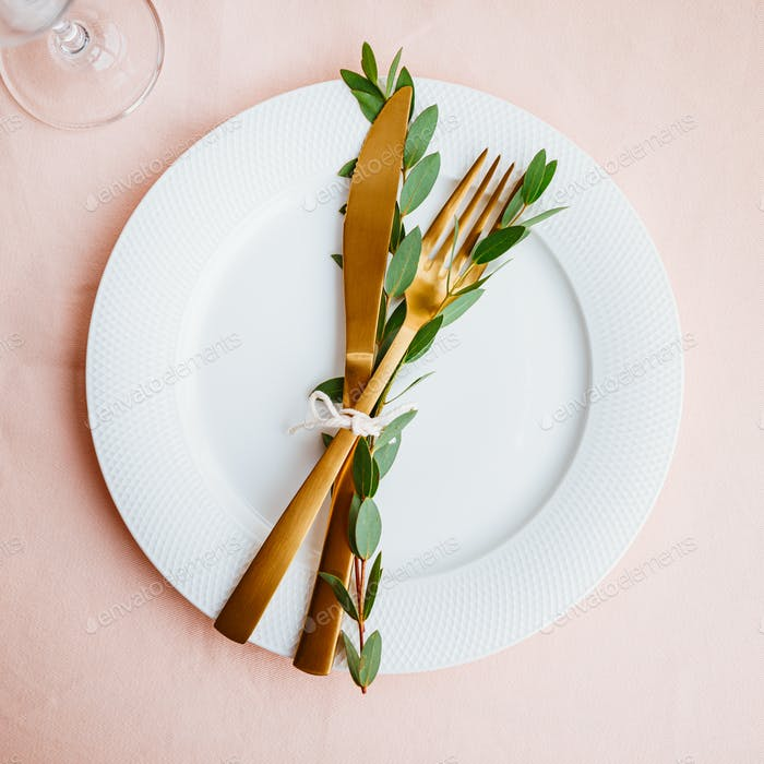 Festliche Tischkulisse für Feiern