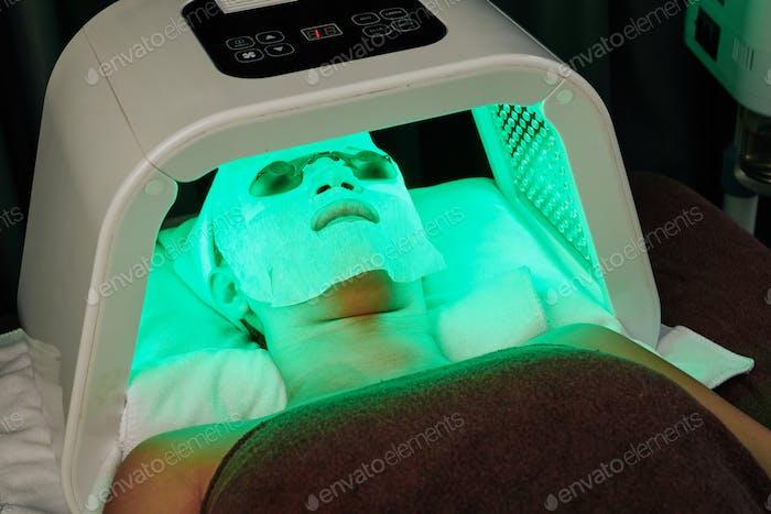 LED-Licht-Beauty-Behandlung