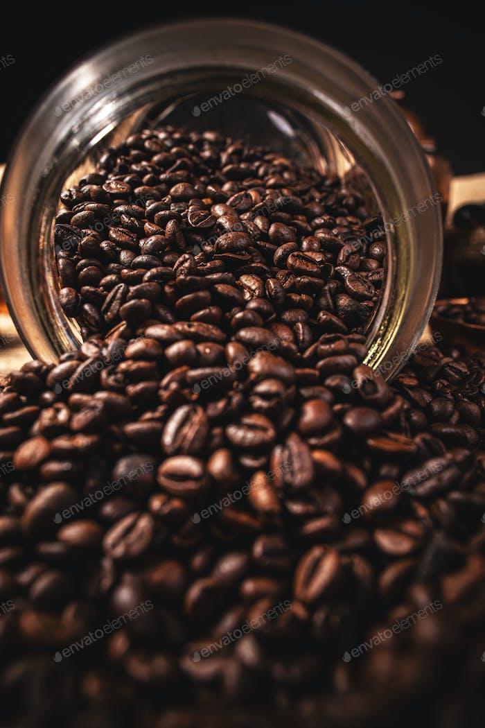 Verschüttete Kaffeebohnen