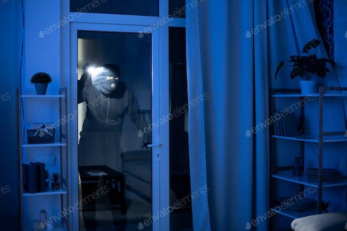Kriminelle Einbruch in Wohnung oder Büro zu stehlen