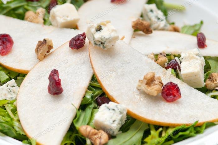 Peras frescas rúcula gorgonzola ensalada de queso