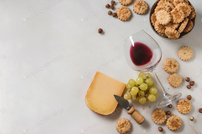 Cheese and grapes appetizer