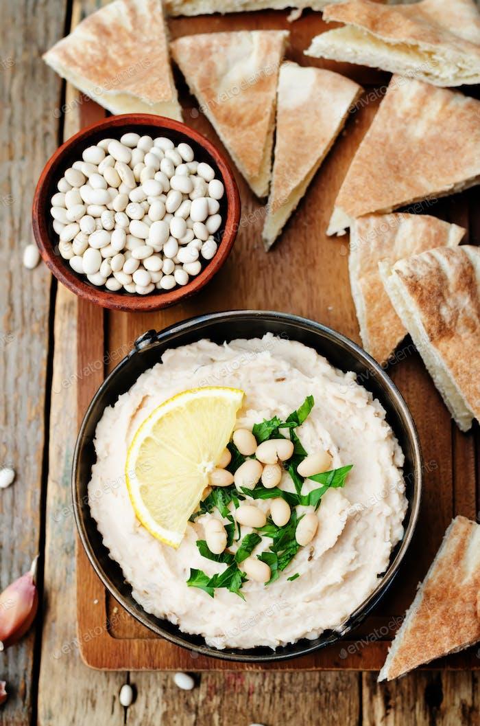 weiße Bohnen Hummus mit Zitrone