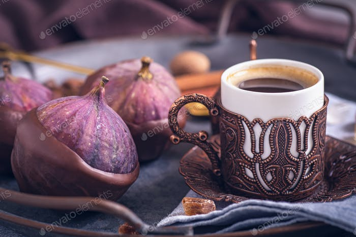 Turkish coffee and figs