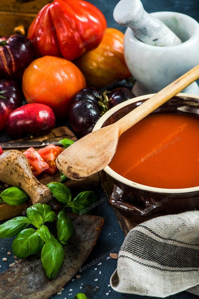 Making creamy and healthy gazpacho