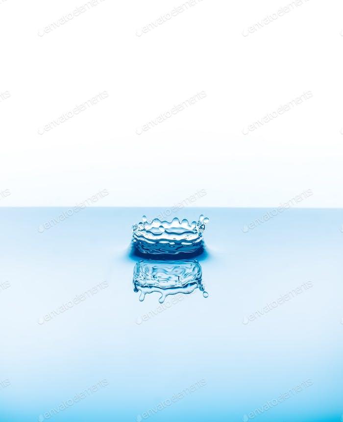 Wassertropfen fallen