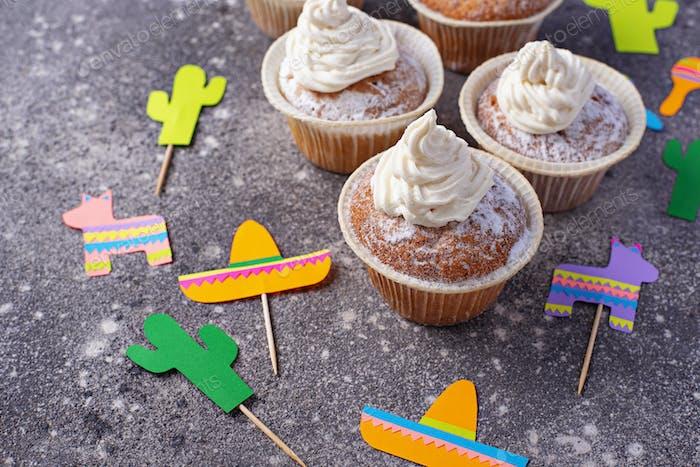 Cupcakes zum Feiern der mexikanischen Party Fiesta