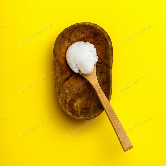 Löffel mit Kokosöl