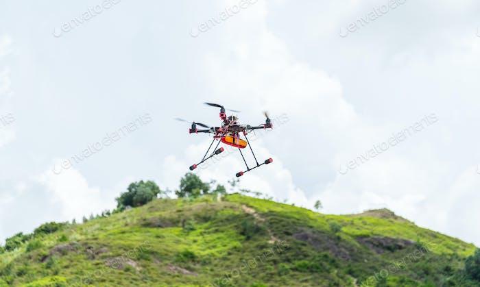 Drohne fliegen im Freien