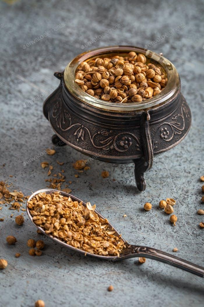 Coriander seeds and ground