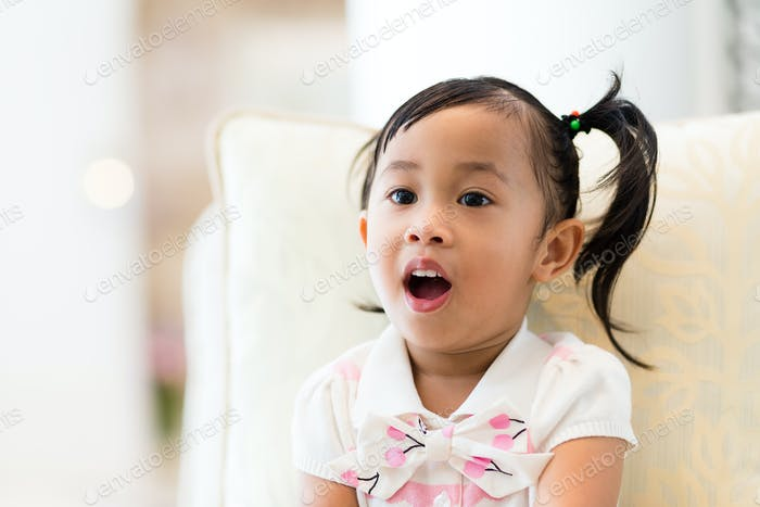 Little girl want to say something