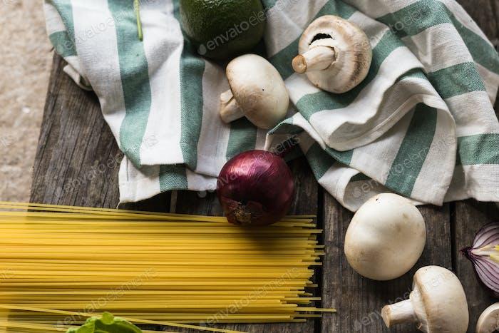 Pasta onion mushroom