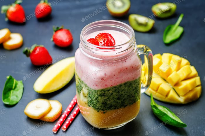 Mango Spinach kiwi strawberry banana smoothie