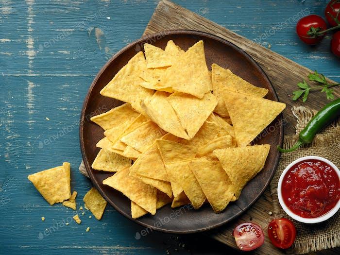 plate of corn chips nachos
