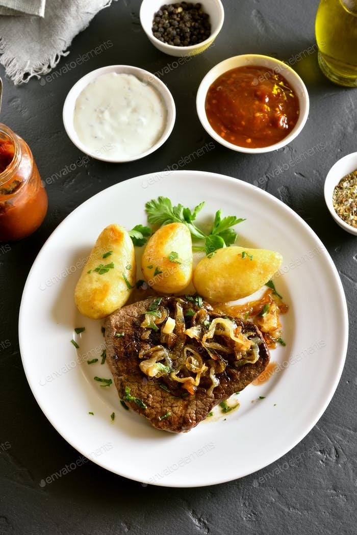 Roasted beef steak with potato