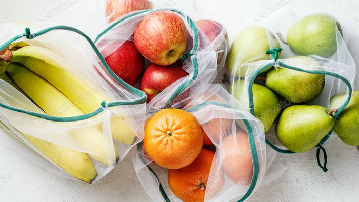Frisches Obst, Äpfel, Bananen, Birnen und Blutorangen