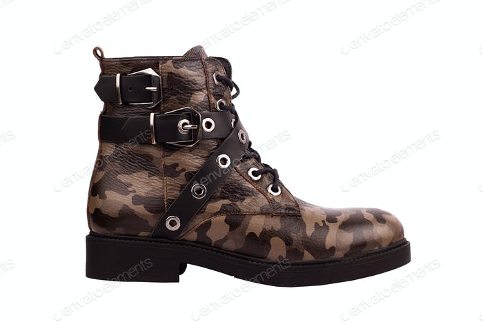 woman boots with army brown texture