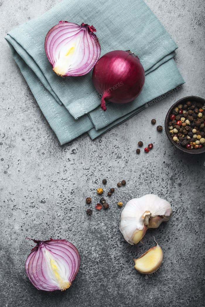 Red onions, garlic and pepper