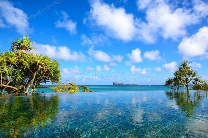 Tropischer Ferienort