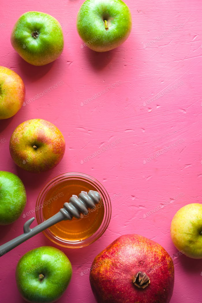 Half-frame of apples, pomegranate and honey for the Rosh Hashanah
