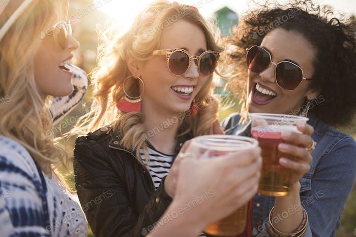 Noch ein Bier auf dem Festival