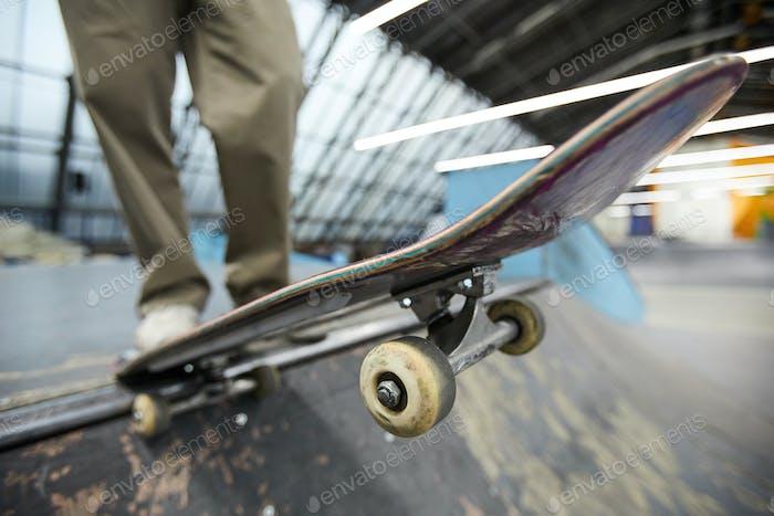 Skateboard over descent