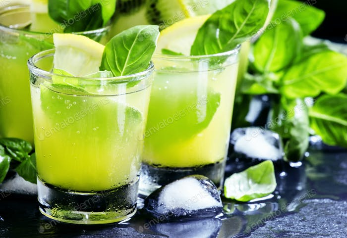 Lemonade with kiwi, green basil, grapefruit syrup and ice