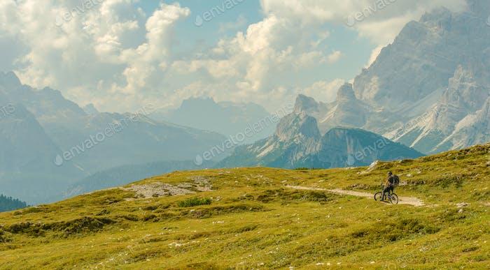 Biker auf dem Scenic Mountain Trail