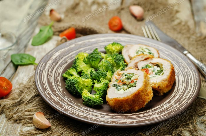 Ricotta tomato spinach stuffed turkey with broccoli