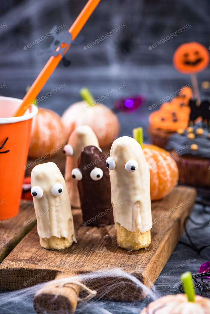 Funny banana ghost, Helloween kids party food